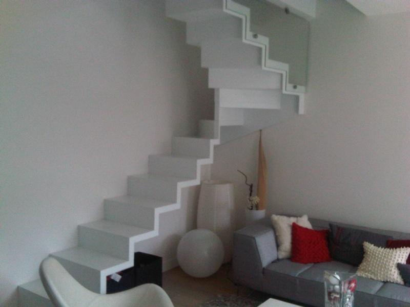 piano blanc petite tr mie. Black Bedroom Furniture Sets. Home Design Ideas