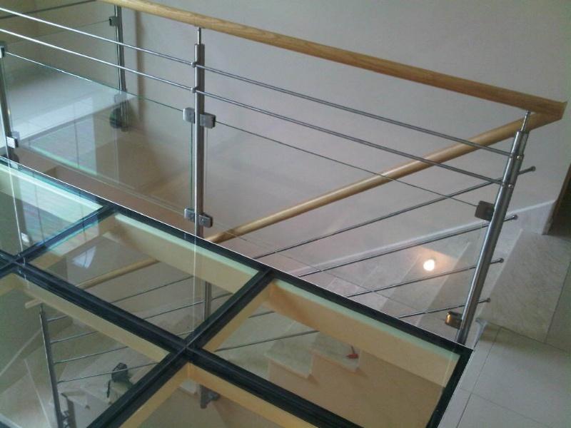 Escaliers deparis 77 escaliers en bois sur mesure ile de france fabrication et pose - Prix escalier sur mesure ...