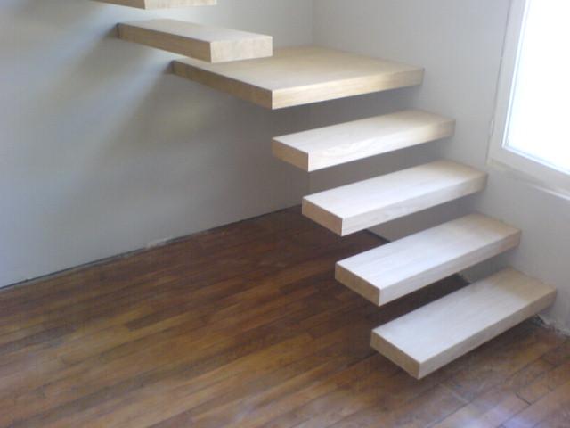 Escalier sapin quart tournant for Escalier bois double quart tournant