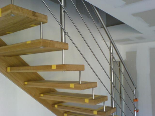Escaliers deparis 77 escaliers en bois sur mesure ile de for Liner sur mesure avec escalier