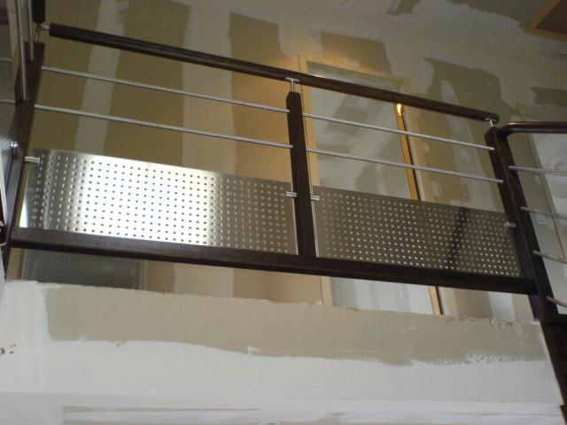 t les inox sur garde corps bois. Black Bedroom Furniture Sets. Home Design Ideas