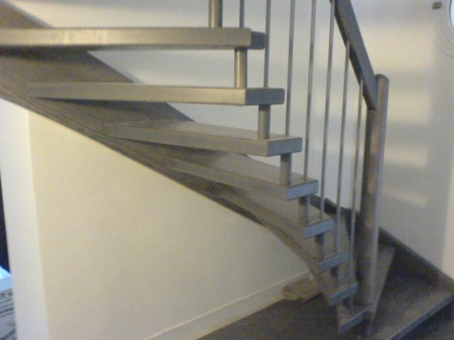 Escaliers deparis 77 escaliers en bois sur mesure ile de for Escalier peint en gris et blanc