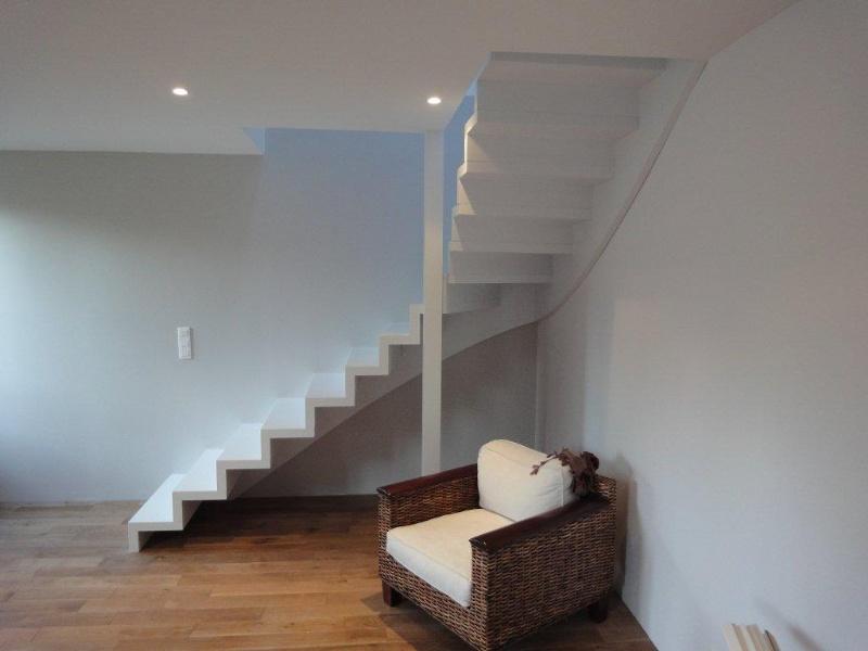 Escaliers deparis 77 escaliers en bois sur mesure ile de for Pose escalier leroy merlin