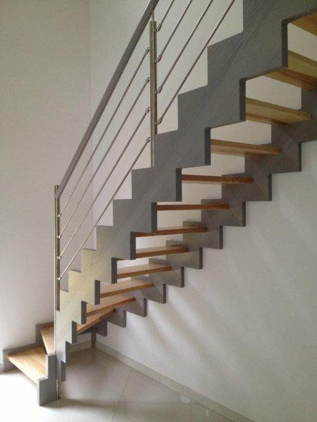Escalier bois sur mesure - Escalier bois peint en gris ...