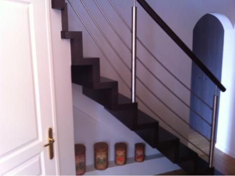 Escaliers deparis 77 escaliers en bois sur mesure ile de for Photo escalier peint en noir
