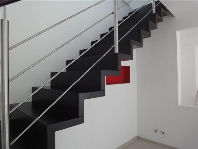 escalier droit hetre affordable escalier droit entre murs en z with escalier droit hetre. Black Bedroom Furniture Sets. Home Design Ideas