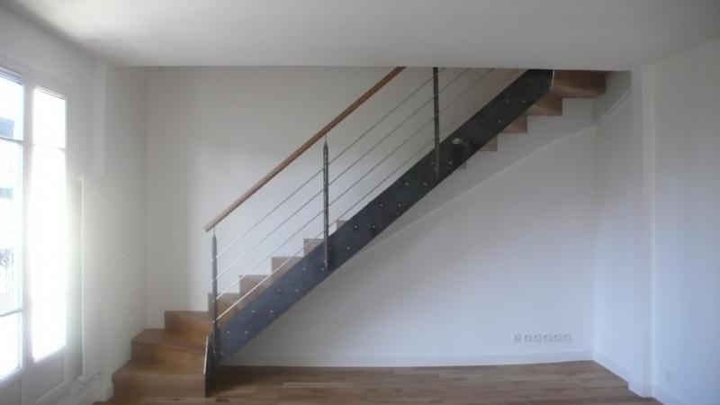 escalier ceruse blanc decoration d interieur peinture un escalier tendance la modernit de l. Black Bedroom Furniture Sets. Home Design Ideas