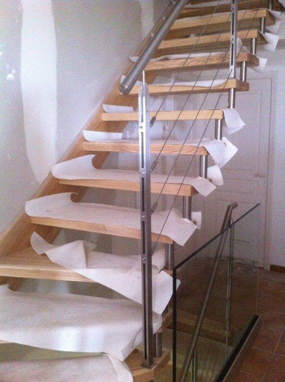 escalier autoporteur sur mesure en bois. Black Bedroom Furniture Sets. Home Design Ideas