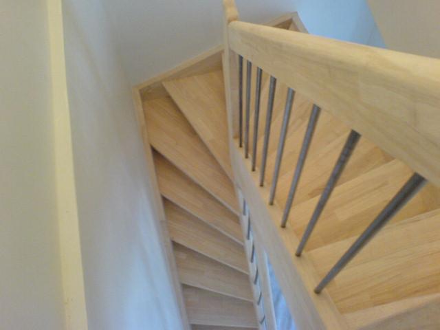escalier en bois. Black Bedroom Furniture Sets. Home Design Ideas